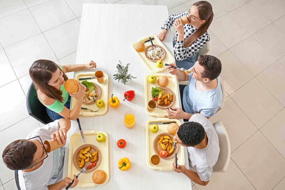 Las residencias de estudiantes apuestan por mejorar los menús diarios